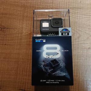GoPro8購入後に初心者が併せて買わなくちゃいけないアクセサリー等!