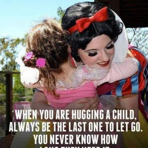 Perfect length of hugging time is? 理想的なハグ時間とは?