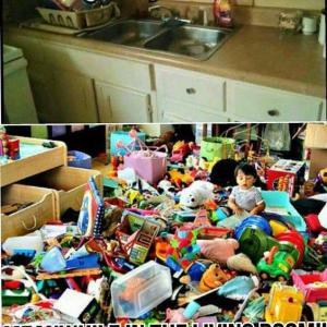 家の片ずけあるある   while cleaning the kitchen...
