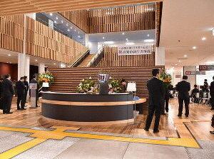 営業3時間の 人気店【大人気 役所の中の 食堂】 せんだんの木 ¥800円ビュッフェ