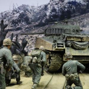 「目標前方シュガーローフヒル。前進せよ!」1945年5月18日沖縄