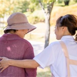 【介護士の仕事㊸】平均勤続年数って?介護現場は?