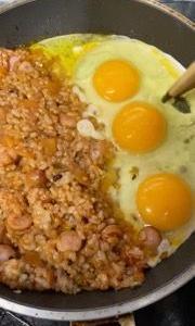卵が届いて、ケチャップチャーハン
