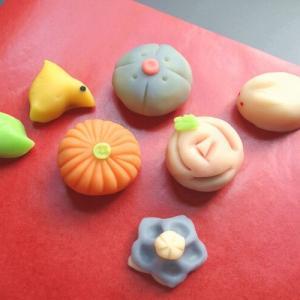 練り切り菓子の作り方【2】生地の色付け・成形―初心者でも可愛く作れるコツと便利グッズ―
