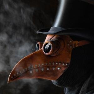 「クチバシ マスク」を検索したら出てきたペスト医師。中世ヨーロッパのパンデミック