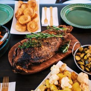 筋トレと食事について解説!食べるべきものとタイミングやコンビニの活用方法は?