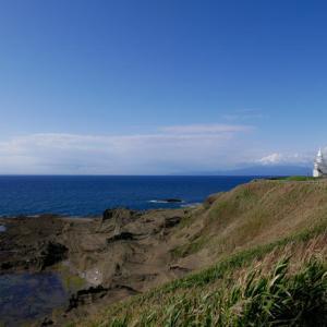 鴎島と江差の海