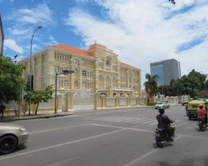 カンボジアでも5Gネットワークの準備進む