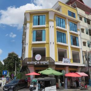 新しいローカルレストラン Orussey Noodle Restaurant オールドマーケット店