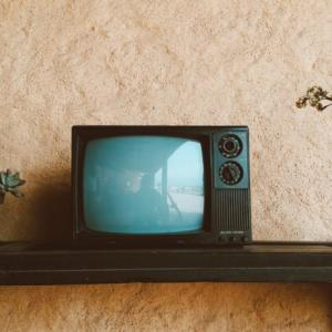 ディズニーデラックスをテレビで観るには?何が必要で設定はどうすればいい?