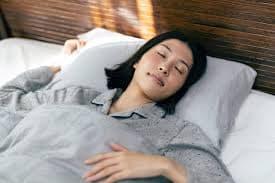 なぜ人間は眠る必要がある? 28時間で日本酒一合と同じレベルに