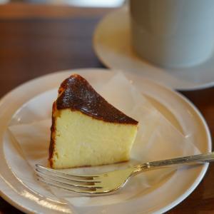 【珈琲いわくま】で美味しいチーズケーキと美味しいコーヒー。