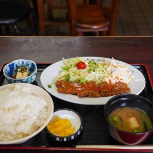 博多区美野島100年続く町の食堂【かどや食堂】。