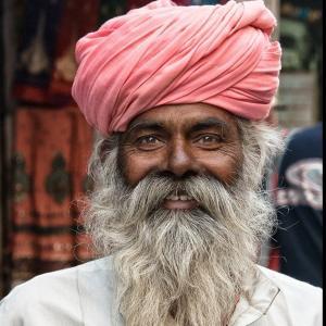 【悲報】インドさん、いきなり感染者数4桁からスタートwww「つよい(確信)」「インド人嘘つかない」「これが終わりの始まりか」