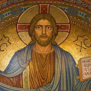【悲報】イエス・キリストさん、十字架に磔にされただけで死んでしまう「復活したからセーフ」「なおすぐまた死ぬ模様」
