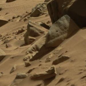 【画像】火星、ヤバすぎるwwwww「なんなんだよこれ・・・?」「火星人ぜったいおるやろ?」「オリンポス山とかいうロマンの塊」