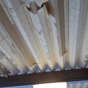 折半屋根の結露工事