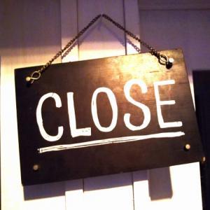 コロナでお店が休業した場合、アルバイトに休業補償は払うべきなのか