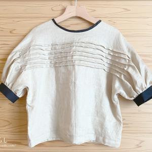「magaliのノスタルジックなワードローブ」からバルーンスリーブブラウスを縫いました