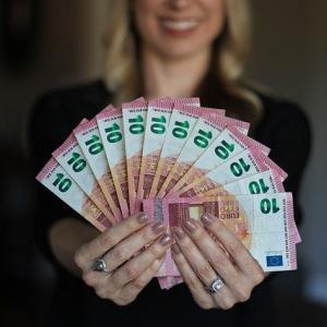 海外旅行でいくら持っていくべき?旅行通が教えます