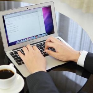 副業ブーム誰でも簡単にネットで副業ができる!人気のクラウドワークスについて紹介!