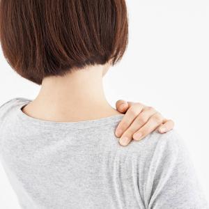 【生理中に肩が痛い】その症状、月経随伴性気胸かも?!
