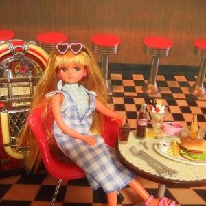 バービーファッション チェック・ストロベリーと日焼けきらちゃん
