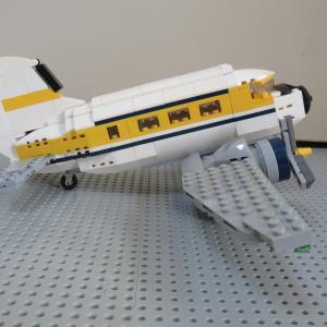 レゴ インディ・ジョーンズのDC-3を改良しました♪