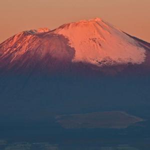 姫神山と鞍掛山/岩手山展望。(2018年11月3日)
