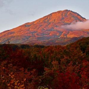 深まる秋の鳥海山康新道往復・前編。(2019年10月16日)