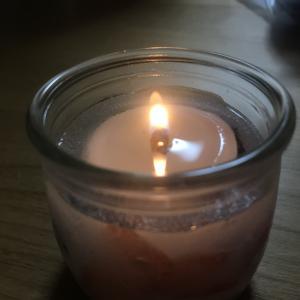 蝋燭🕯ローソク ろうそく の灯りに癒される。