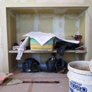 階段下のデットスペースを使ってテレビ台を作ってもらいました