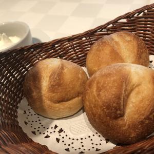 """""""食べるその時が焼きたての冷凍パン"""" 「はじめてのパンセット」は試す価値あり 国産小麦で天然酵母パン"""