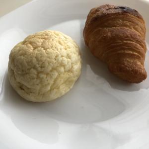 Pan&パンドのクロワッサンとメロンパン
