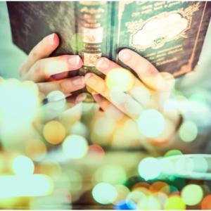 万能鑑定士Qシリーズの小説を紹介。20冊以上出ているのでまとめてみました