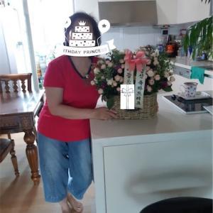 今会いに行けない韓国人義母の古希祝いにお花を送りました