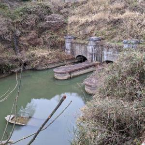 2020年 12月12日 宮城県松島町のふれあい広場(明治潜穴出口)と高城川河口