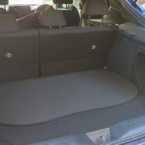 【トヨタ C-HR】トランクにベビーカーを乗せることができます!