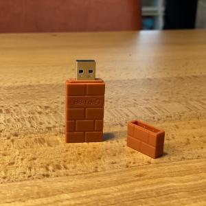 【8BitDo USB Wireless Adapter レビュー】PS4コントローラーをSwitchで使えるようになるコンパクトなワイヤレスアダプター【CY-8BUWLA-BR】