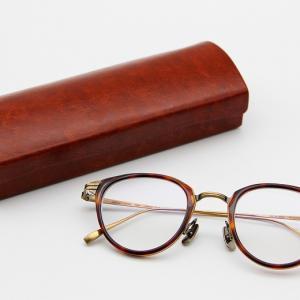【金子眼鏡 KJ-25 レビュー】熟練の職人が1つずつ手作りしているべっ甲柄のアセテートとチタニウムが美しい組木のようなメガネフレーム