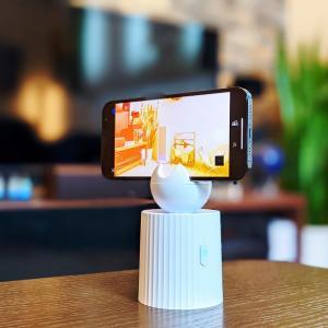 【Capture Genie レビュー】自撮り革命!360°回転して撮影できる自動追尾スマホスタンド