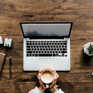 WordPress(有料ブログ)とアメブロ(無料ブログ)の違いは何?オススメなのはこっち