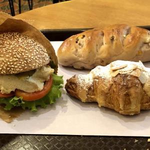 【バンコク】カオサンでおいしいパンとコスパのいいコーヒーにであった