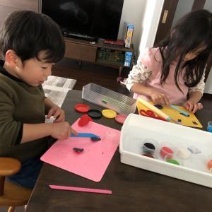 百均の粘土の道具を使って遊んでみたよ!子供の粘土遊びにはメリットが5つあります!