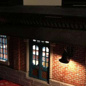 Ostレイアウト製作53    電飾2  小さい駅舎の内装と電飾をしてみる