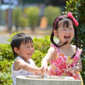 親子で水あそびが楽しめる西猪名公園ウォーターランド!〜プールが苦手な乳幼児・小学生にぴったりな遊び場です〜