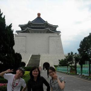 台北経由バンコク10日ギリギリFIX滞在一人旅 Day2 永久ループからの台湾ギャル。乗り換え時間危うし!リアル大出血サービスの空港行バス。