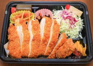 店内には出来上がりお弁当ご用意しております。現在テイクアウトのみの営業 #鈴鹿テイクアウト #鈴鹿お弁当 #鈴鹿 でお弁当 #和とん