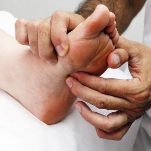 【足】ひざ痛・腰痛防止に「アーチ」を強化しましょう!