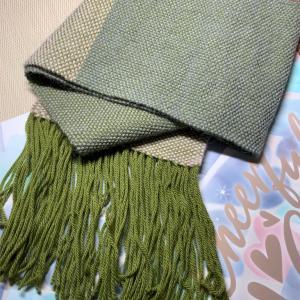 横糸に同じ糸を使って、2種類のマフラー[過去作まとめ]